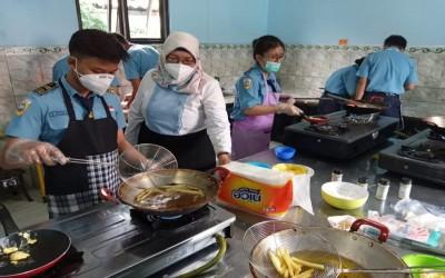 Kapeng Yayasan Hang Tuah Cabang Surabaya Tinjau Uji Kompetensi Sekolah Double Track
